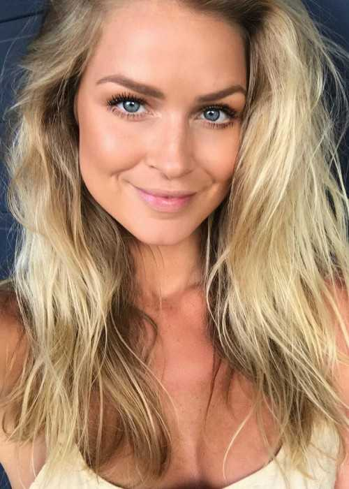 Renae Ayris Taking a Candid Selfie in December 2017