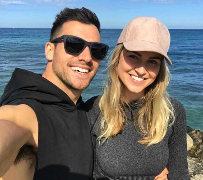 Renae Ayris in an Instagram Selfie with Boyfriend Andrew Papadopoulos in September 2017