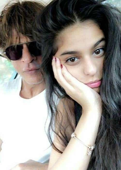 Suhana Khan and Shah Rukh Khan in an Instagram selfie in January 2018