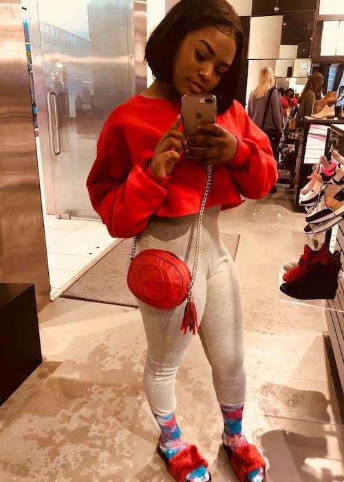 Summerella selfie inside a shoe store in December 2017