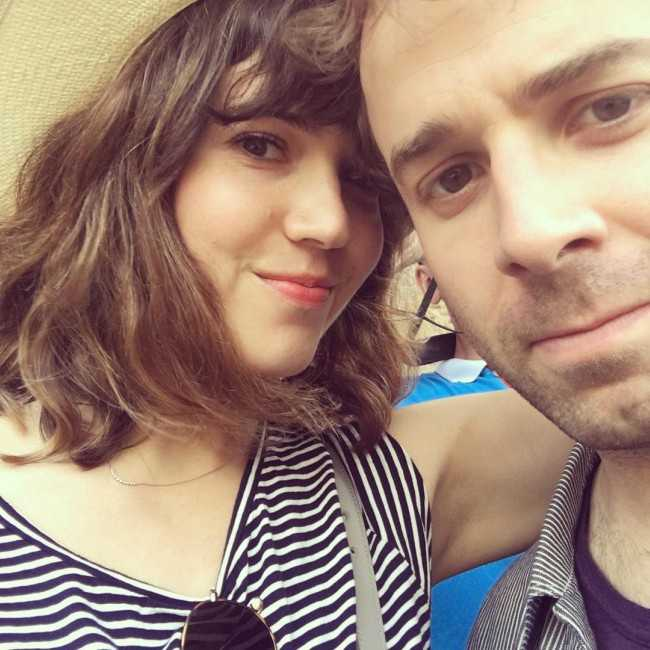 Taylor Goldsmith in an Instagram Selfie with his Fiancée Mandy Moore in June 2016