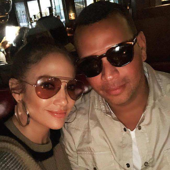 Alex Rodriguez and Jennifer Lopez in shades in a December 2017 selfie