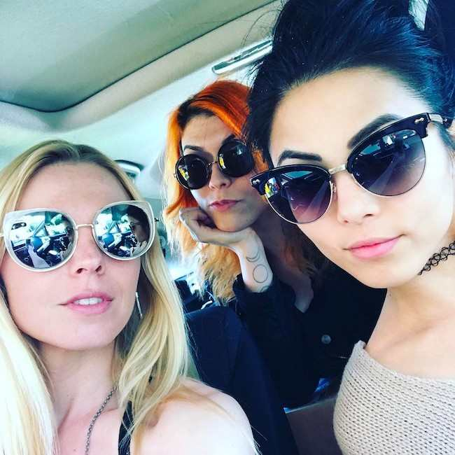 Anna Akana with friends in an Instagram selfie in February 2017