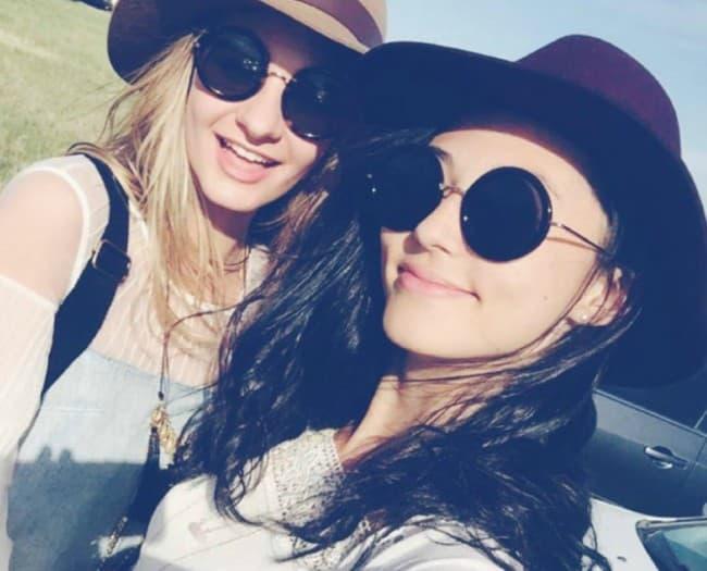 Anna Jane Jackson (Left) in a selfie in April 2016