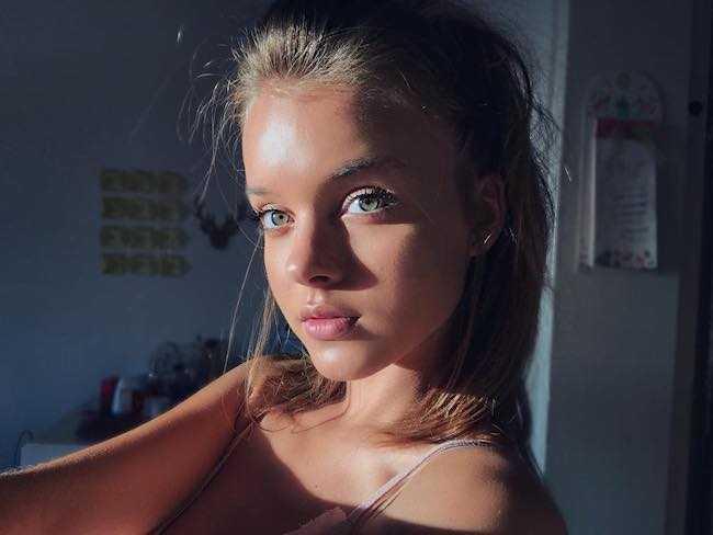 Anna Zak in a July 2017 selfie