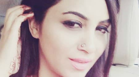 Arshi Khan Height, Weight, Age, Body Statistics