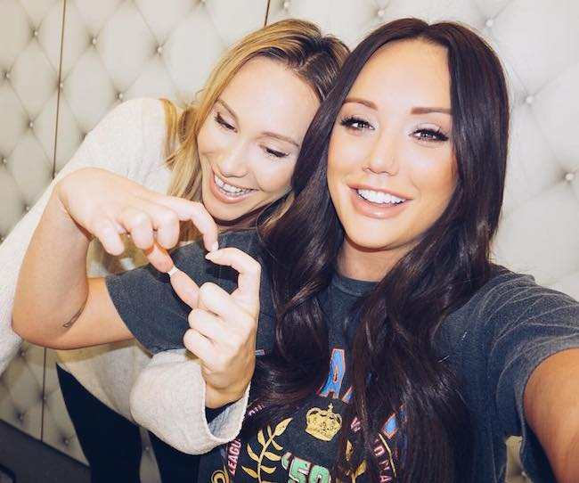 Charlotte Crosby (Right) with her friend Lindsey Harrison in a selfie in February 2018