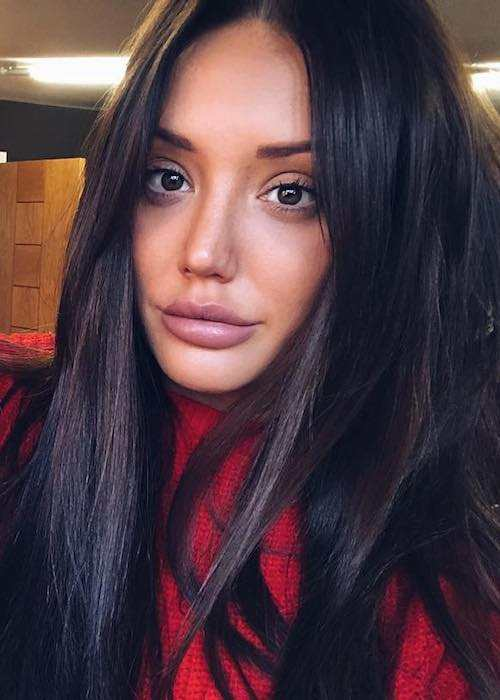 Charlotte Crosby morning selfie in February 2018
