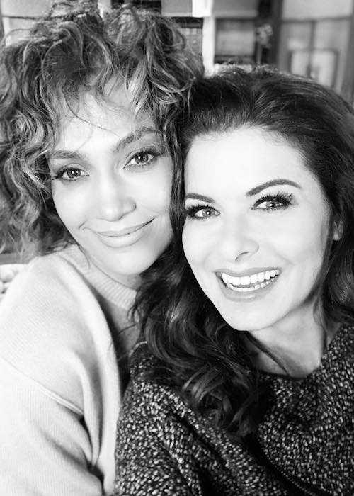 Debra Messing and Jennifer Lopez in an Instagram selfie in January 2018