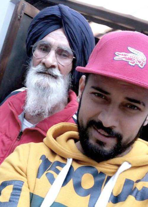 Garry Sandhu with his dad in a selfie in January 2018