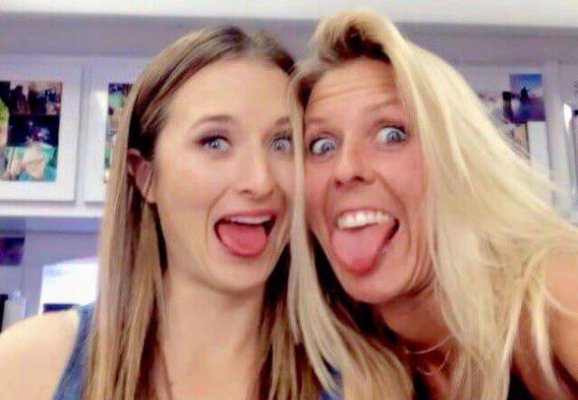 Grace Gummer (Left) in a selfie in May 2015