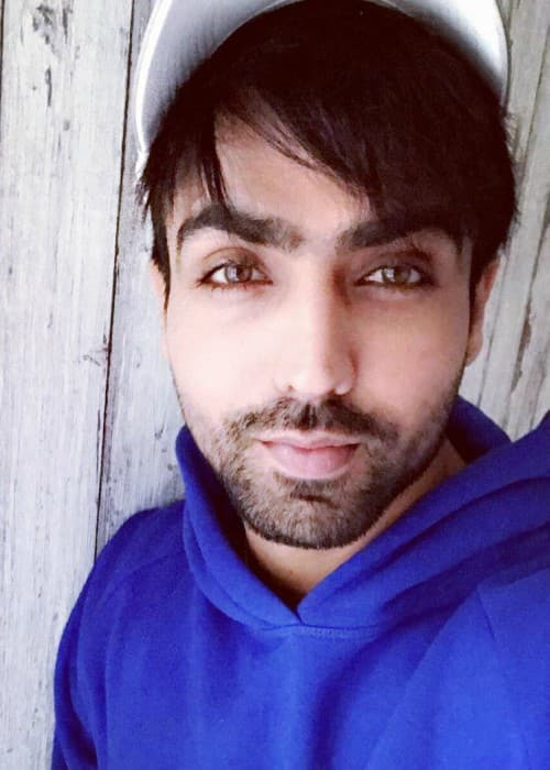 Harrdy Sandhu in an Instagram selfie as seen in January 2018