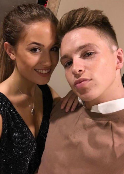 Joe Weller and Kate Hutchins in an Instagram selfie in October 2016