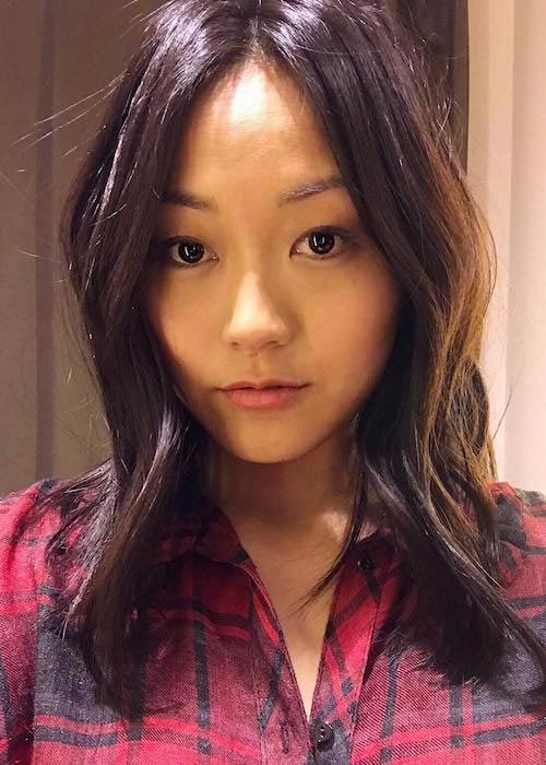 Karen Fukuhara showing her new hair color in a November 2016 selfie