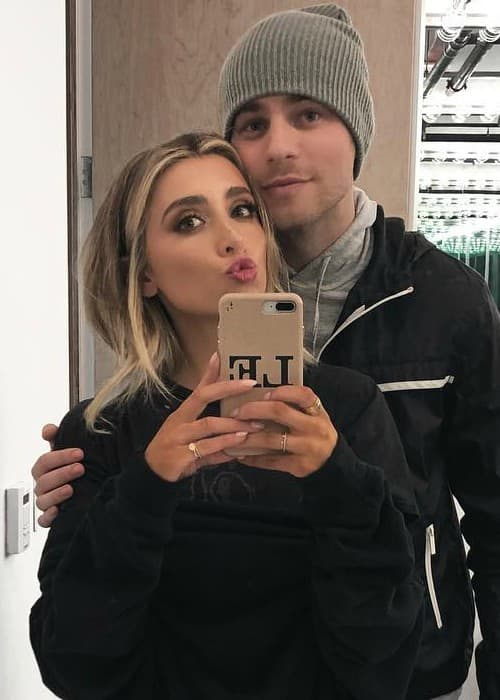 Lauren Elizabeth and Cameron Fuller in an Instagram selfie as seen in January 2018