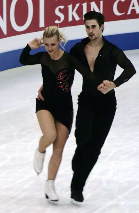 Madison Hubbell and Zachary Donohue during a skating contest in 2012