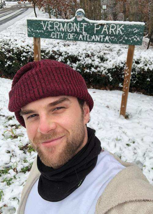 Nathaniel Buzolic in a selfie at Vermont Park in December 2017