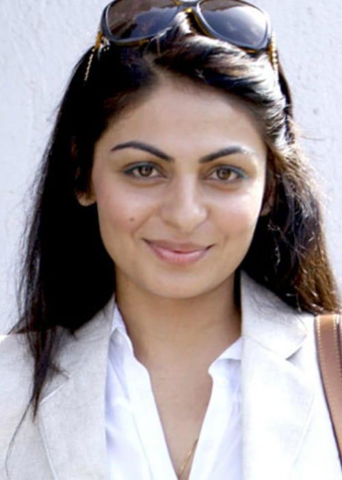 Neeru Bajwa at Kochi International Fashion Week in 2011