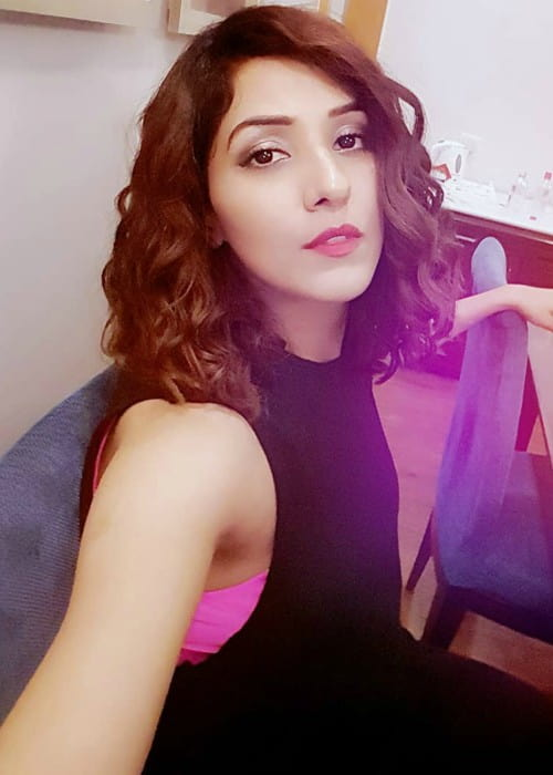 Neeti Mohan in an Instagram selfie in January 2018