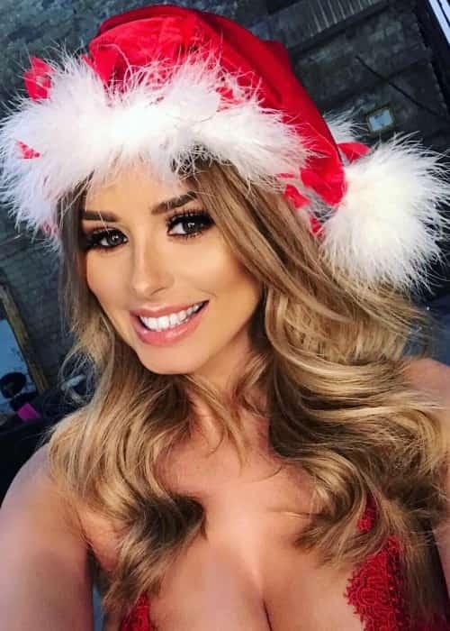 Rhian Sugden in an Instagram selfie in December 2017