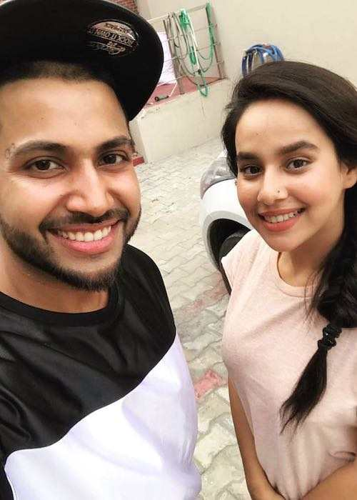 Sukhe and Sunanda Sharma in a selfie in January 2018