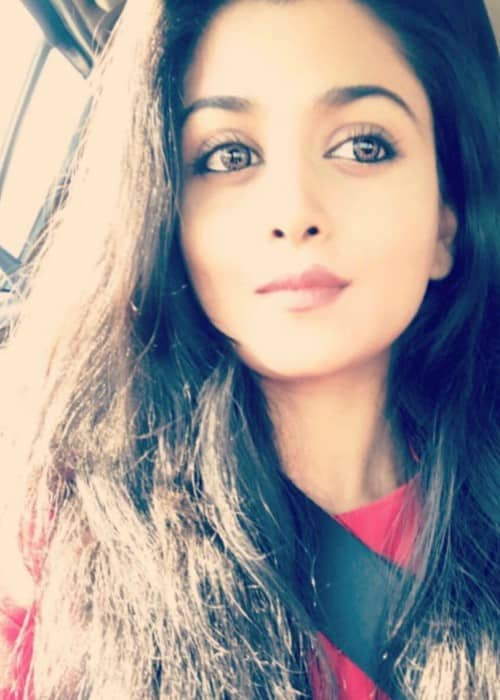 Tanvi Dogra Height Weight Age Body Statistics Healthy