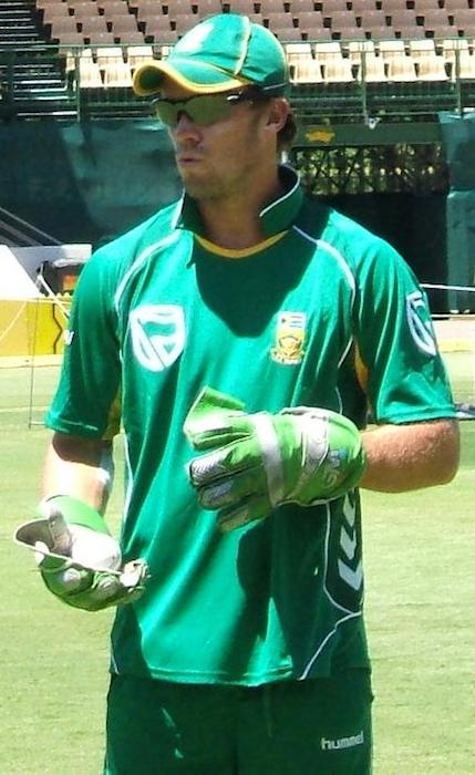 AB de Villiers at a training session at the Adelaide, Oval in 2009