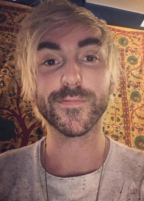 Alex Gaskarth in a February 2018 selfie