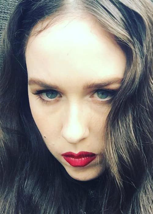 Allie X in a selfie as seen in June 2017