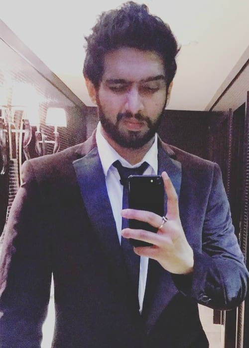 Amaal Mallik Height Weight Age Body Statistics Super
