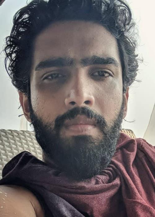 Amaal Mallik in an Instagram selfie as seen in March 2018
