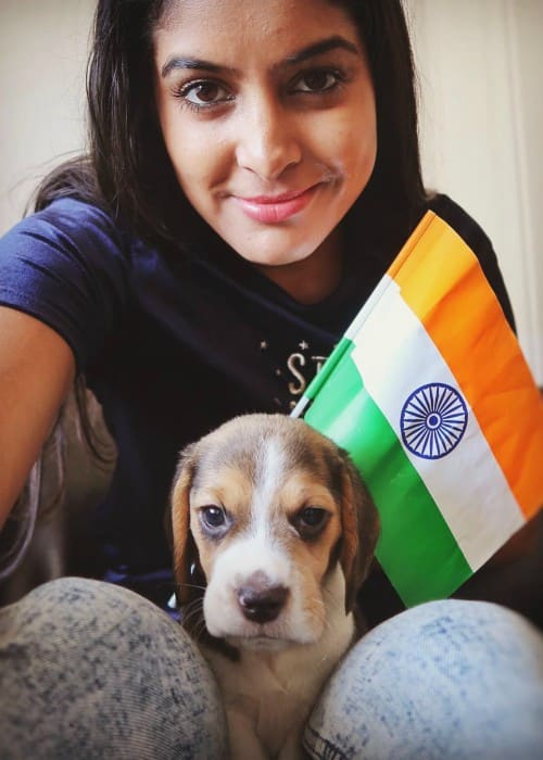 Anisha Dixit in a selfie with her dog on Republic Day in 2018