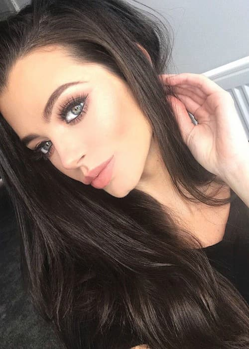 Emma McVey in an Instagram selfie in January 2018