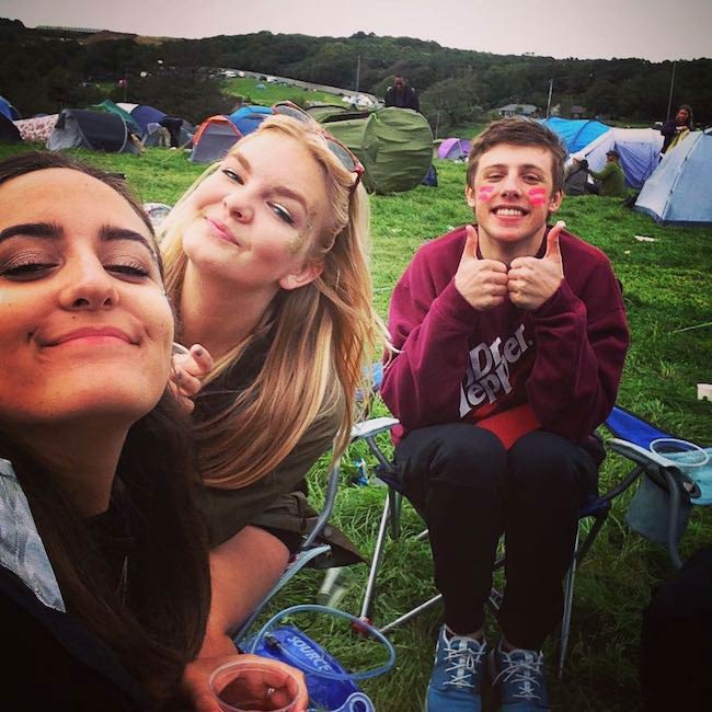Harry Lewis hanging out with friends in September 2015