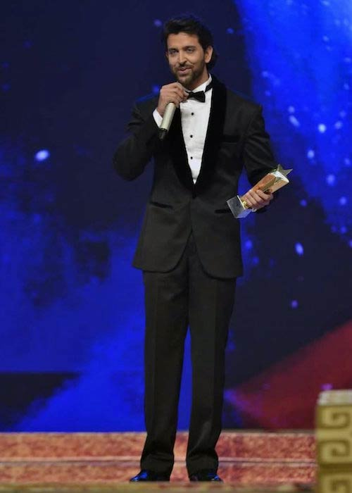 Hrithik Roshan at Star Parivaar Awards 2011