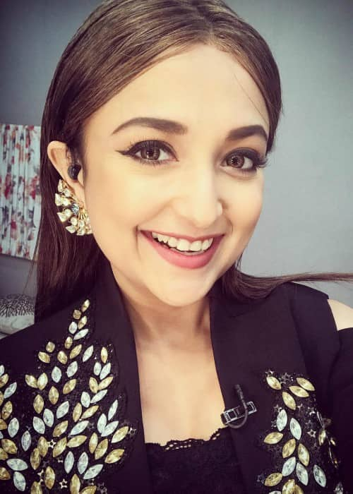 Monali Thakur in an Instagram selfie as seen in December 2017