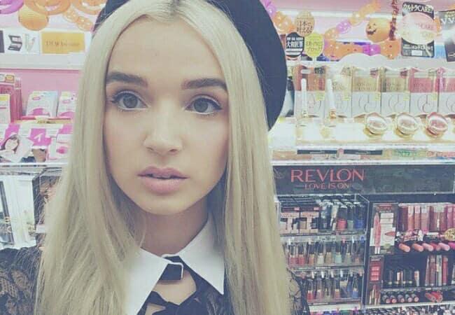 Poppy in a selfie