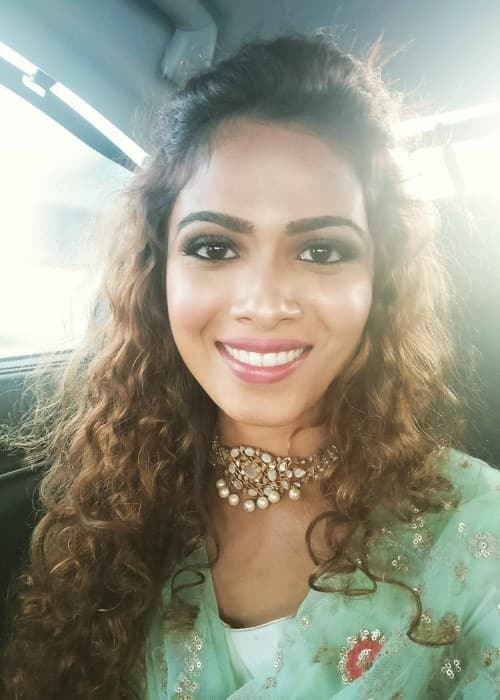 Sanah Moidutty on her way to the Asia Vision Awards 2017