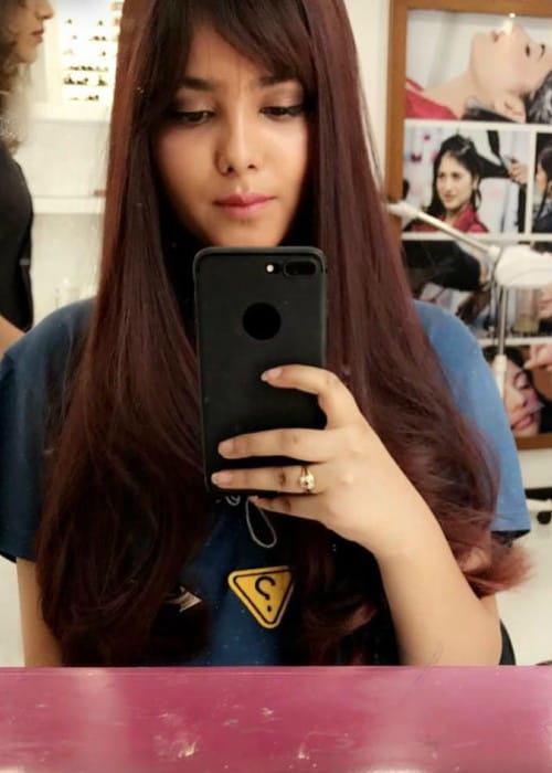 Shraddha Sharma promoting her Snapchat account on Instagram in March 2018
