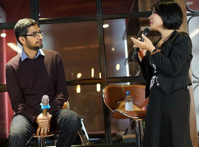 Sundar Pichai at Hanoi, Vietnam in 2015 during a Vietnamese IT Community Meet