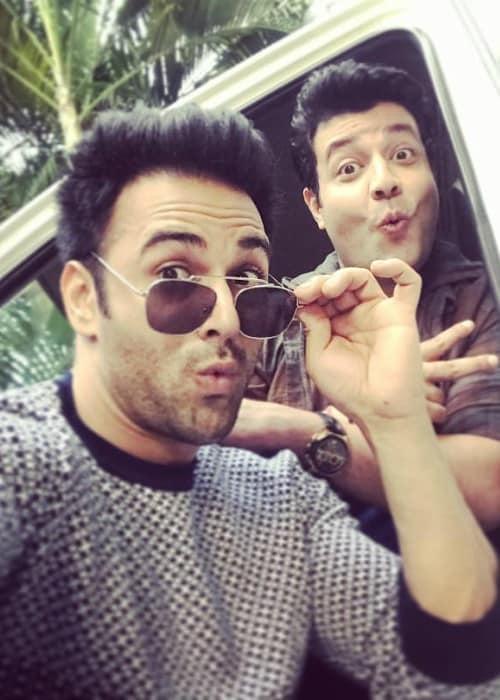 Varun Sharma (Right) and Pulkit Samrat in a selfie in November 2017