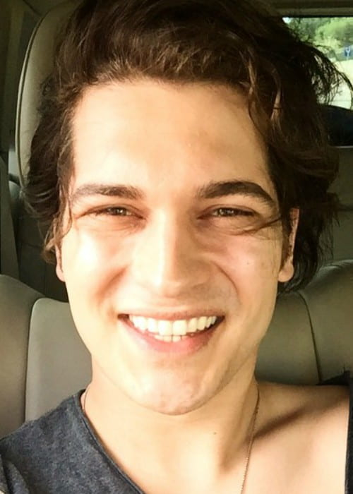 Çağatay Ulusoy in an Instagram selfie as seen in May 2015