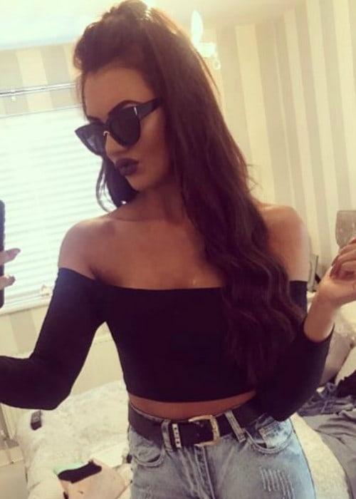 Abbie Holborn in an Instagram selfie in April 2017