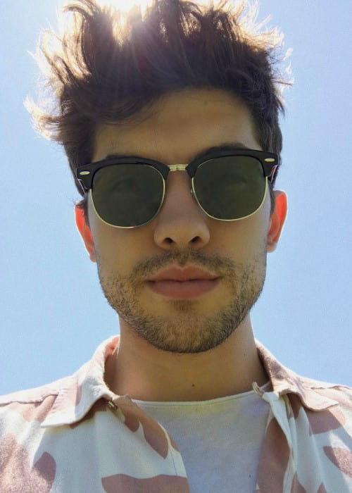 Carter Jenkins promoting Prive Revaux in a selfie in July 2017