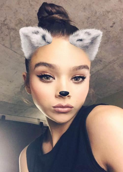 Hailee Steinfeld in a August 2017 selfie