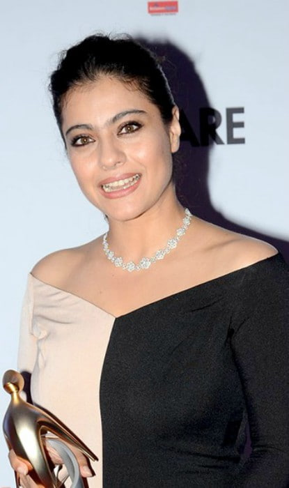 Kajol at Filmfare Glamour & Style Awards in November 2016