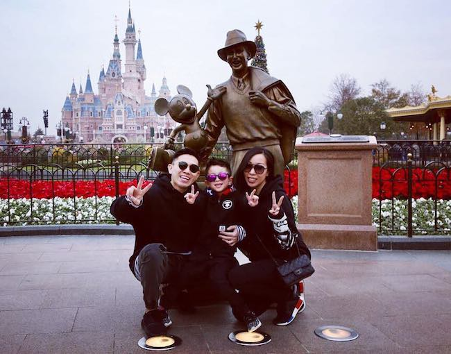 MC Jin with his wife and son Chance in December 2017