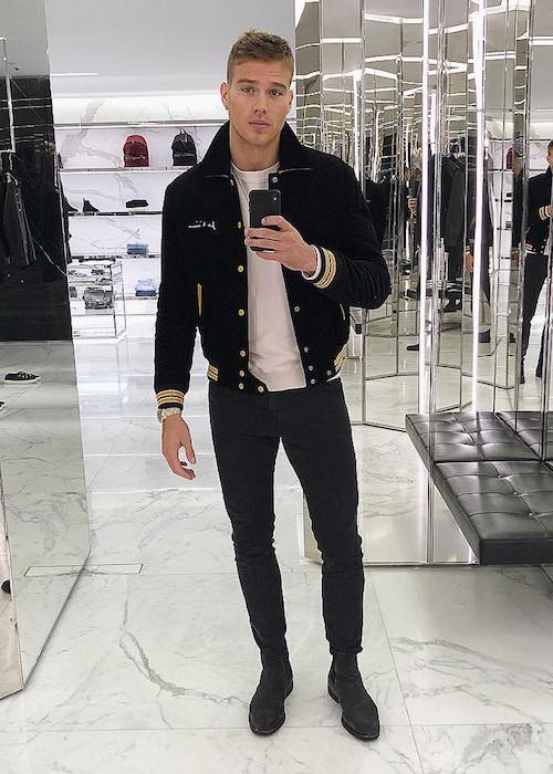 Matthew Noszka doing Christmas shopping in December 2017