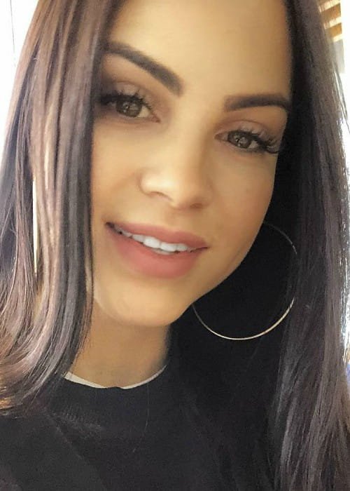 Natti Natasha in an Instagram selfie as seen in March 2018