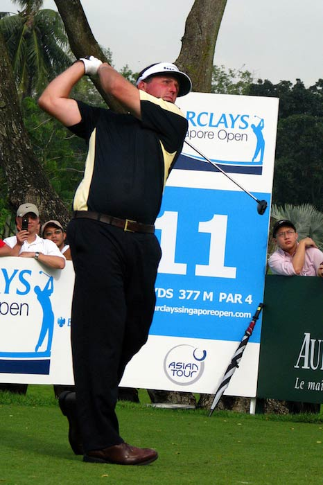 Phil Mickelson playing golf at 2007 Barclays Singapore Open